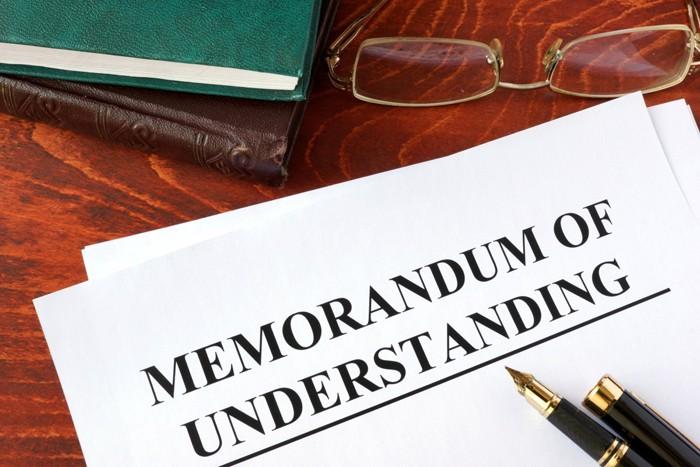 Bản MOU thường không được quy định chi tiết, rõ ràng bằng văn bản hợp đồng