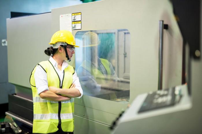 QC giúp kiểm tra, giám sát và đảm bảo chất lượng đầu ra cho sản phẩm
