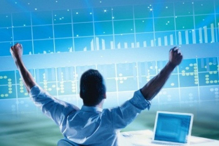 Đặt lệnh mua bán cổ phiếu qua phần mềm.