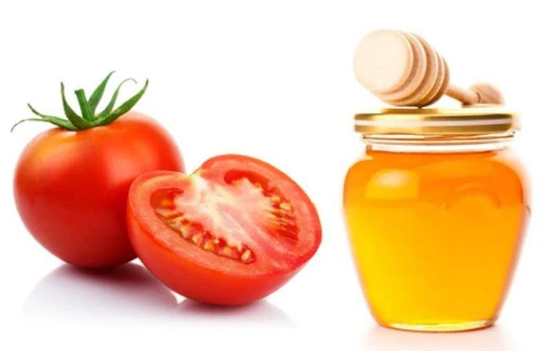 Dùng nước ép cà chua - cách trị mụn đầu đen tận gốc đơn giản, dễ thực hiện