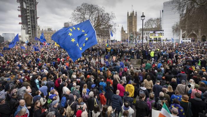 Các cuộc trưng cầu ý kiến của dân chúng về việc rời khỏi EU