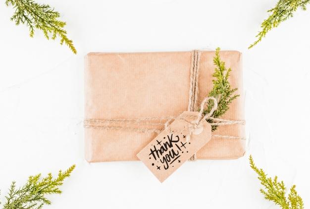 DIY hộp quà hoặc một món quà nào đó để tặng người yêu thương