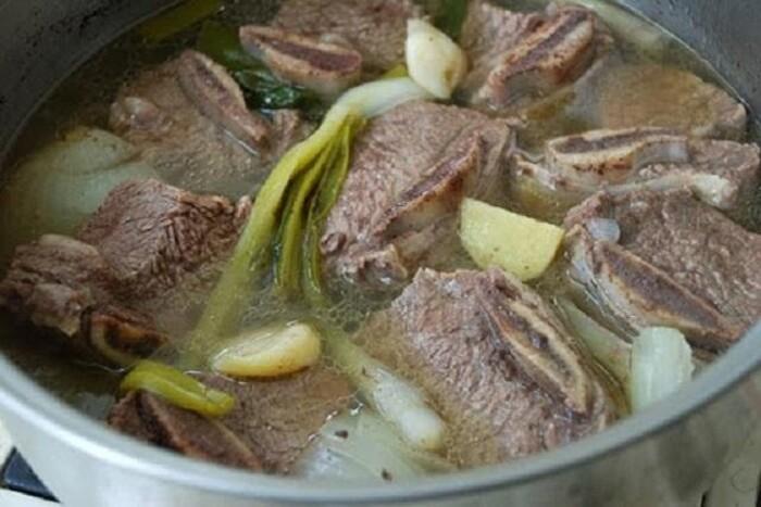 Nấu bò kho kiểu Hàn Quốc với vị nêm độc đáo.