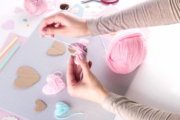 DIY chủ yếu để phục vụ nhu cầu bản thân còn handmade có thể dùng để bán