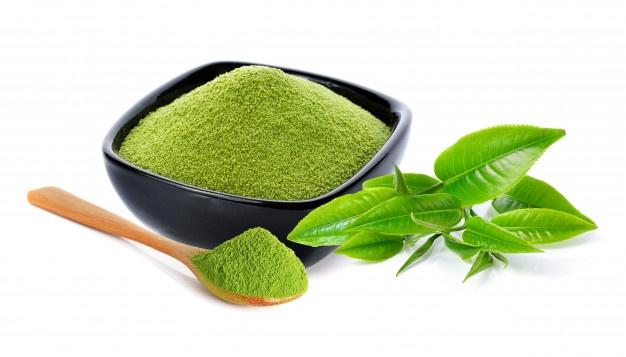Dùng trà xanh như thảo dược như cách trị mụn cám