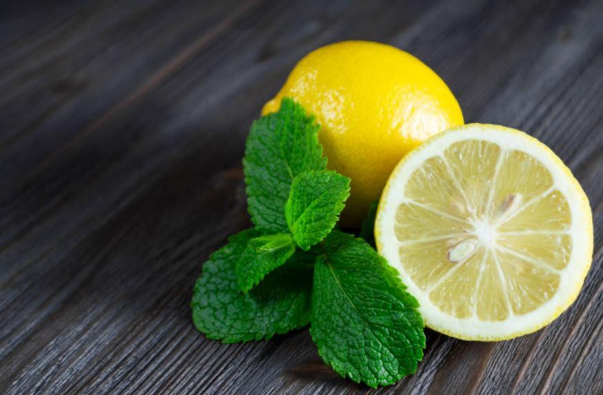 Cách làm nước detox chanh, bạc hà giảm mỡ bụng