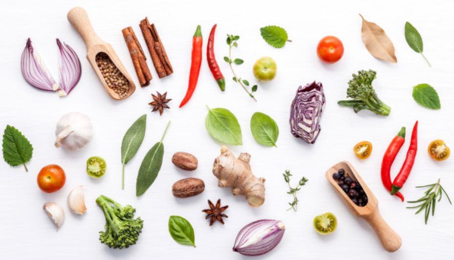 Các loại gia vị như ớt, gừng, tỏi, tiêu còn giúp đốt cháy lượng mỡ thừa hiệu quả.