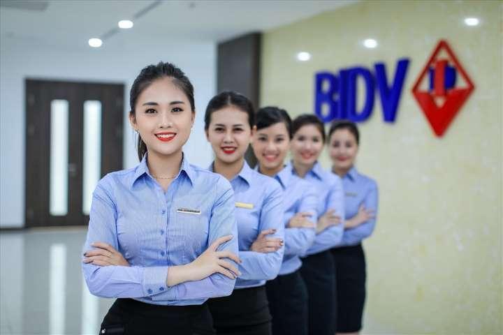 Đội ngũ nhân viên chuyên nghiệp, thái độ phục vụ tận tình, chu đáo tại BIDV