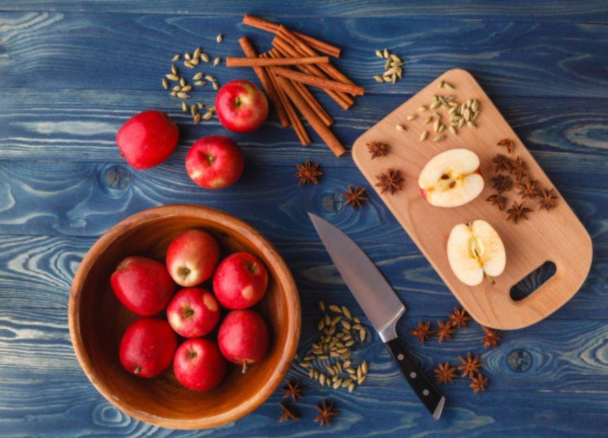 Detox táo và quế - cách giảm mỡ bụng hiệu quả