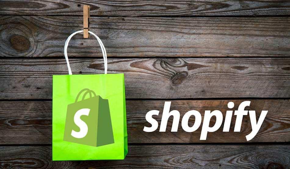 Shopify được xem là công cụ đắc lực với các tính năng hỗ trợ việc kinh doanh của bạn