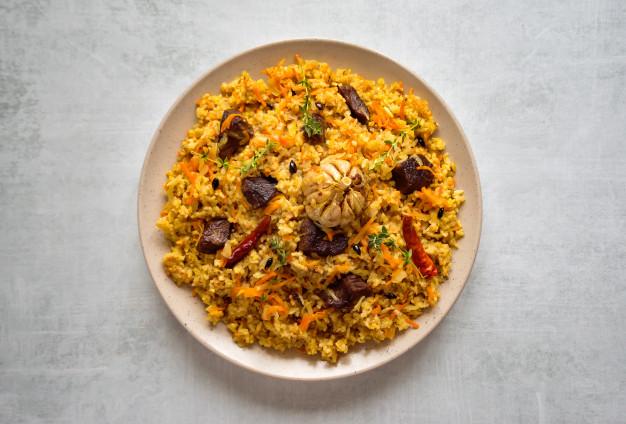 Sử dụng saffron để tẩm ướp thực phẩm chế biến món ăn