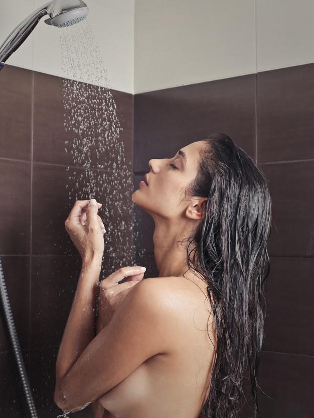 Cuối cùng là tắm lại bằng nước ấm.