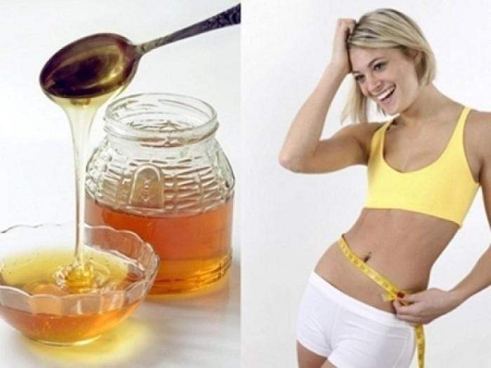 Uống mật ong với chanh tắc là bài thuốc giảm mỡ bụng khá hiệu quả