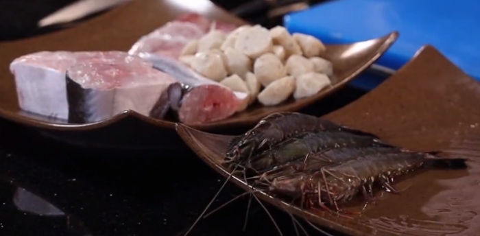 Chuẩn bị hải sản