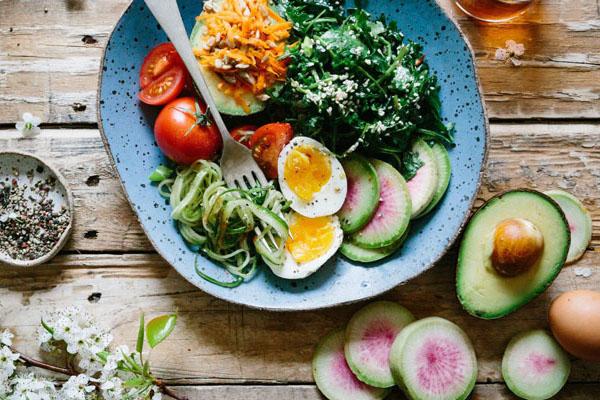 Giảm mỡ bụng bằngGiảm mỡ bụng bằng chế độ ăn kiêng chế độ ăn kiêng
