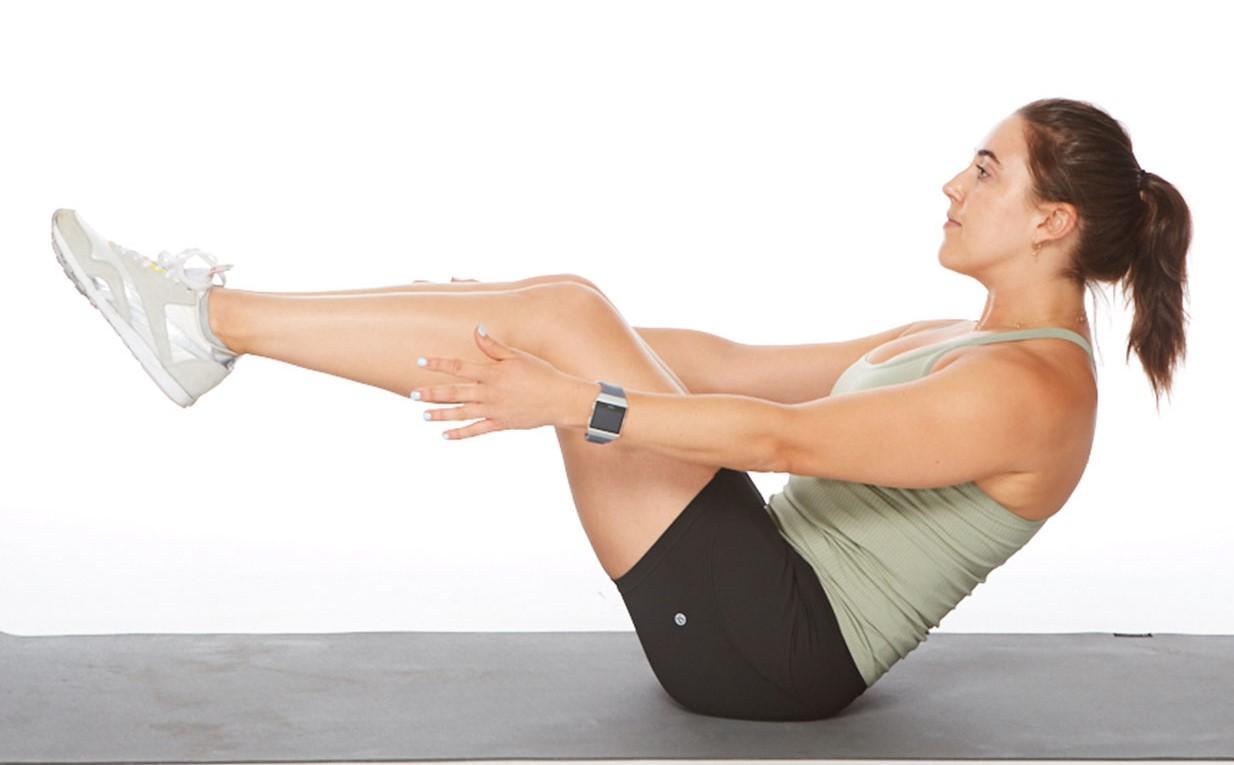 Bài tập nâng chân gập người giảm mỡ bụng dưới