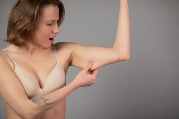 Bạn lại có phần cánh tay to, thô và nhiều mỡ