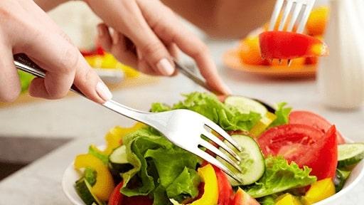 Giảm mỡ mặt bằng chế độ ăn uống lành mạnh