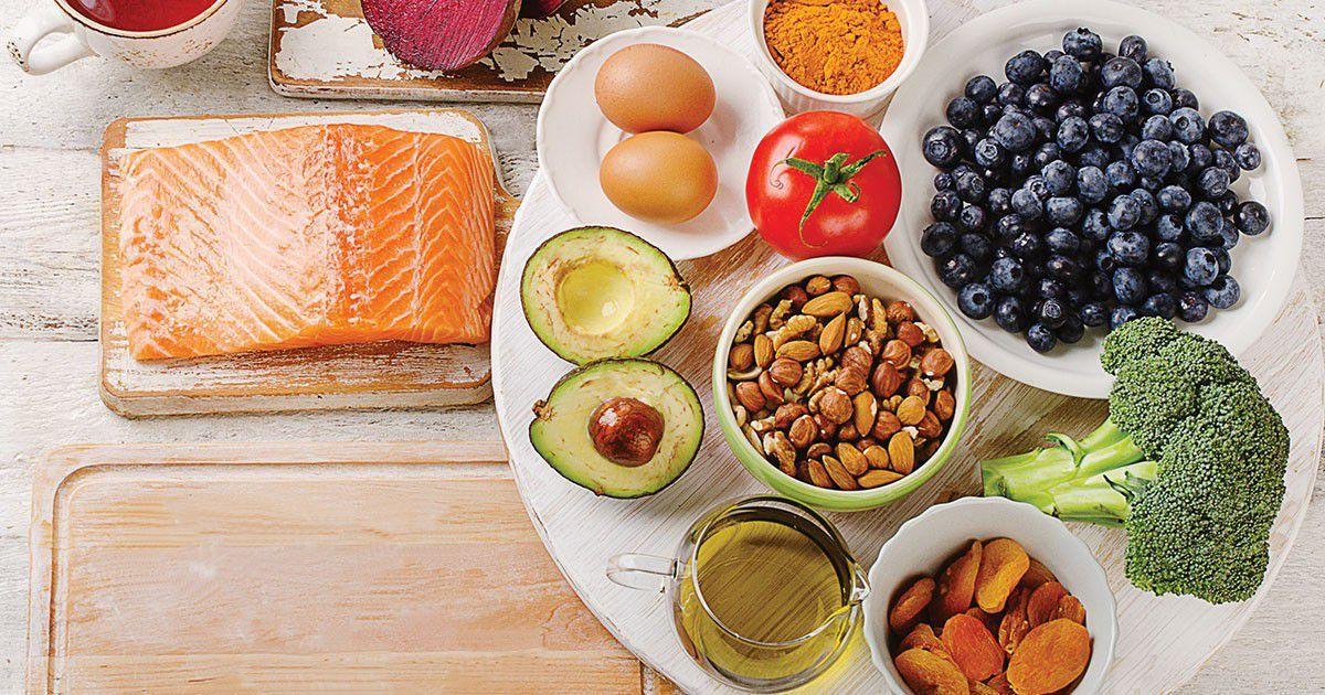 Khi sử dụng thuốc thì bạn nên ăn kiêng các chất ngọt và béo