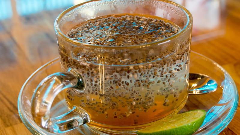 Uống một ly nước ấm hạt chia kếuống một ly nước ấm hạt chia kết hợp với mật ongt hợp với mật ong
