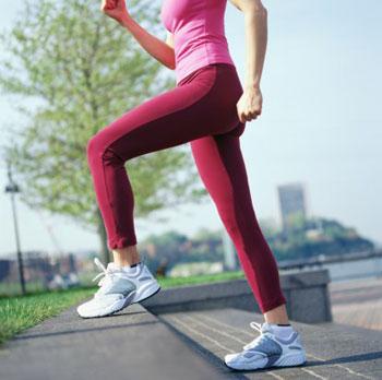 Luyện tập chạy bộ nâng cao gối