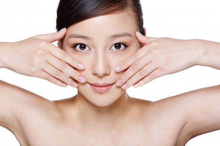 Massage mỗi ngày dưới cằm có tác động giảm nọng rất nhanh