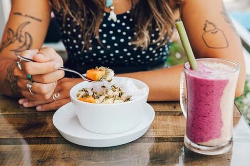 Bữa ăn 1.200 calo trong 7 ngày có lợi cho tim mạch