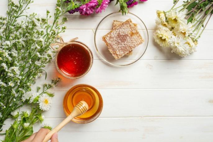 Duy trì sử dụng mật ong với nước ấm giảm cân