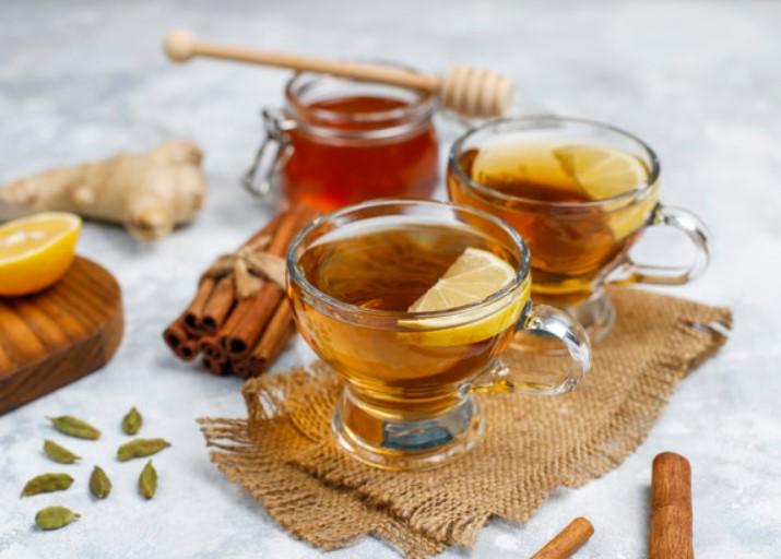 Cách pha mật ong với nước ấm giảm cân