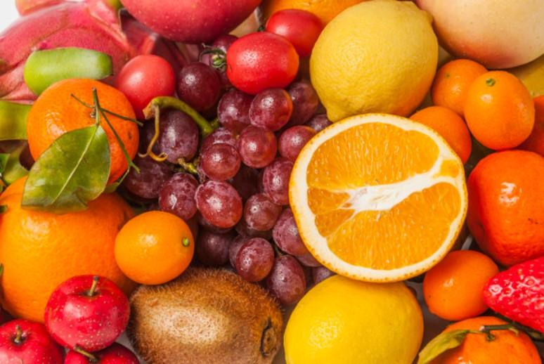 Món ăn giảm cân với các loại trái cây tươi