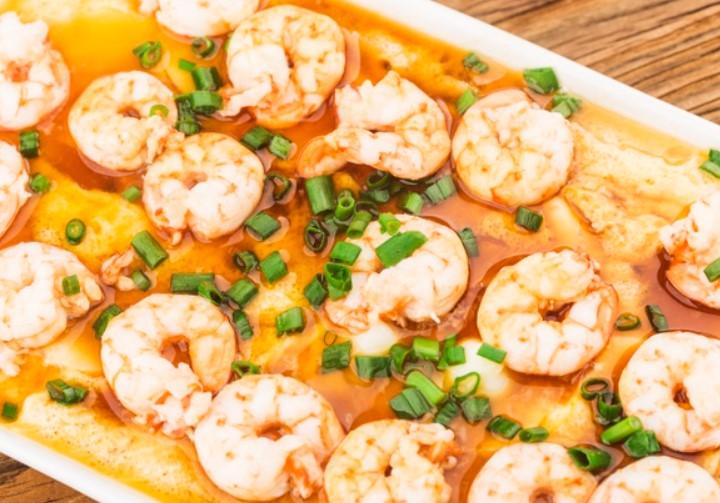 Món giảm cân với khoai lang luộc và tôm hấp