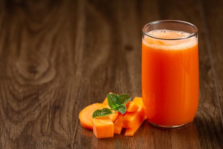 Nước uống giảm cân từ củ cà rốt