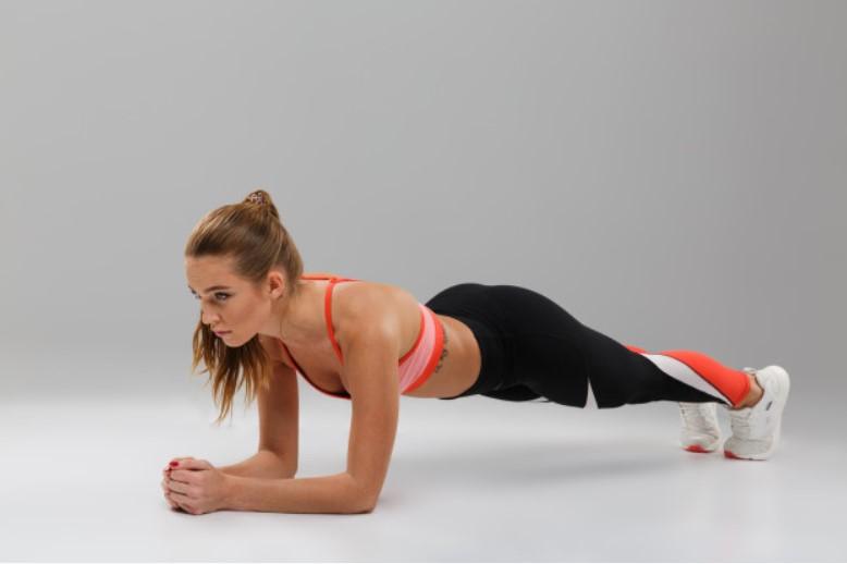 Tư thế yoga Plank cơ bản