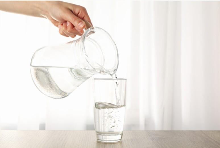 Hãy dùng nước để giải khát
