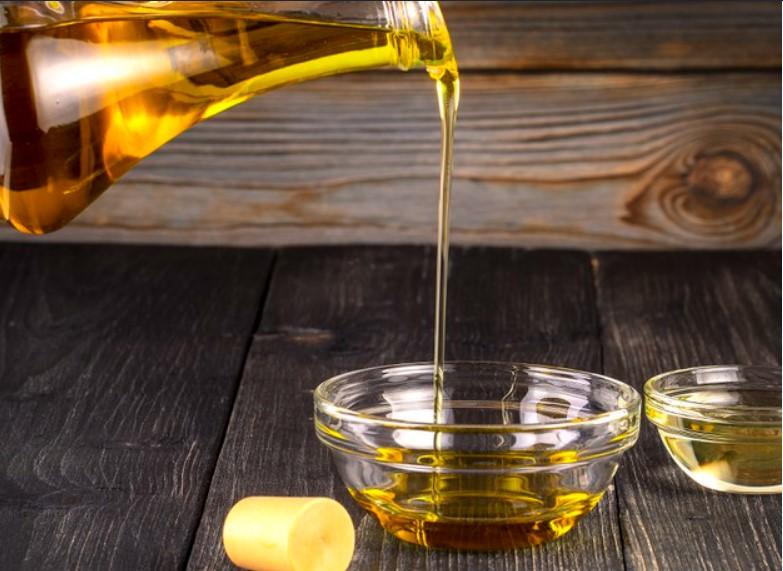Dùng ít đi hoặc tránh dùng dầu thực vật và bơ thực vật