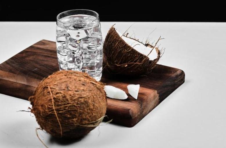 Không uống nước có chữa nhiều calo