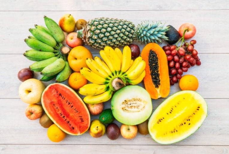 Ăn nhiều loại rau và trái cây có màu sắc