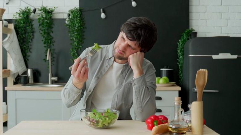 Không khó khăn việc ăn uống với bản thân