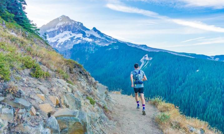 Luyện tập đi bộ lên đồi dốc